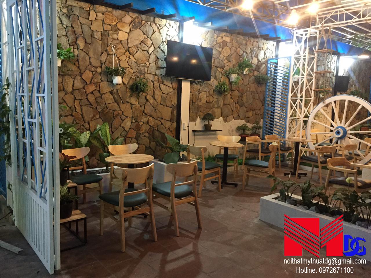 Thi công quán cafe sân vườn Mộc Coffee (1)